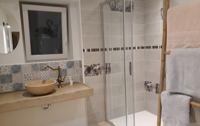 Location de vacances - Villa à Vosne-Romanée - salle de douche du bas toilette séparée