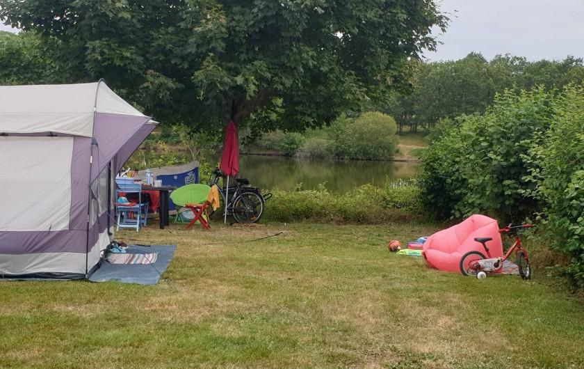 Location de vacances - Camping à Pressignac - Emplacement nu