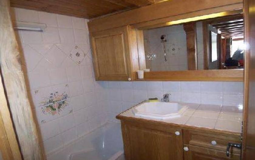 Location de vacances - Appartement à Méribel - SALLE DE BAIN DU BAS