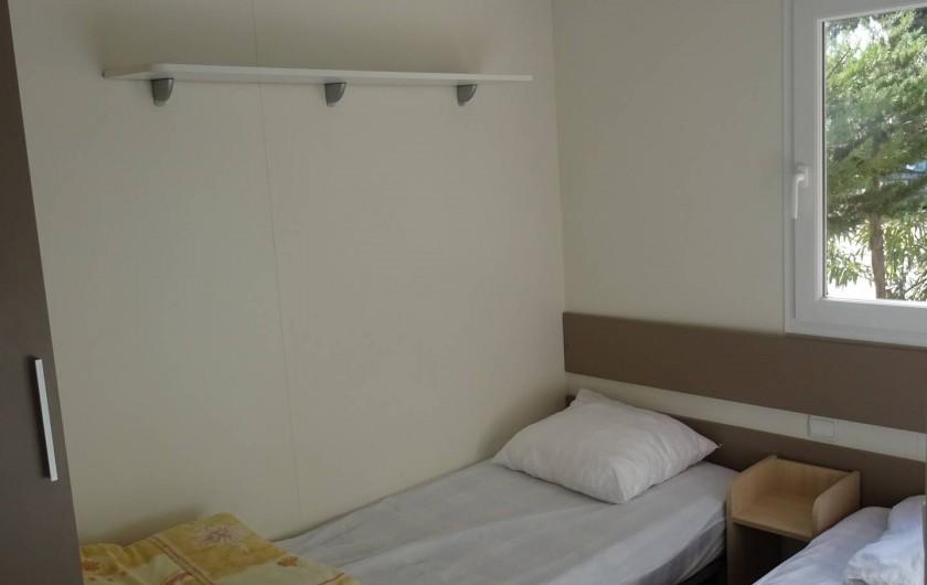 Location de vacances - Bungalow - Mobilhome à Salses-le-Château - chambre enfant 2 lits 90*190