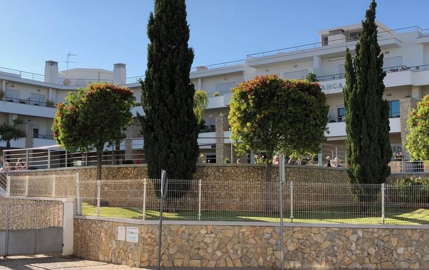Location de vacances - Appartement à Olhos de Água - Vue extérieure de la résidence