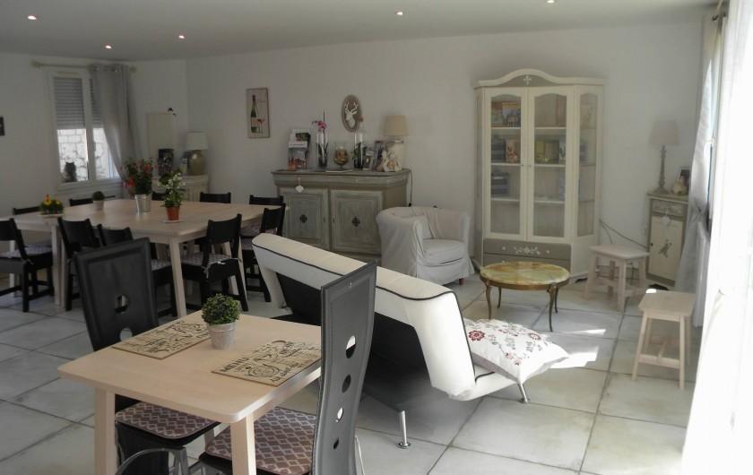 Location de vacances - Chambre d'hôtes à Castelnau-de-Montmiral - salle d'accueil   deux chambres de 2 pers à l'étage  SdeD privati