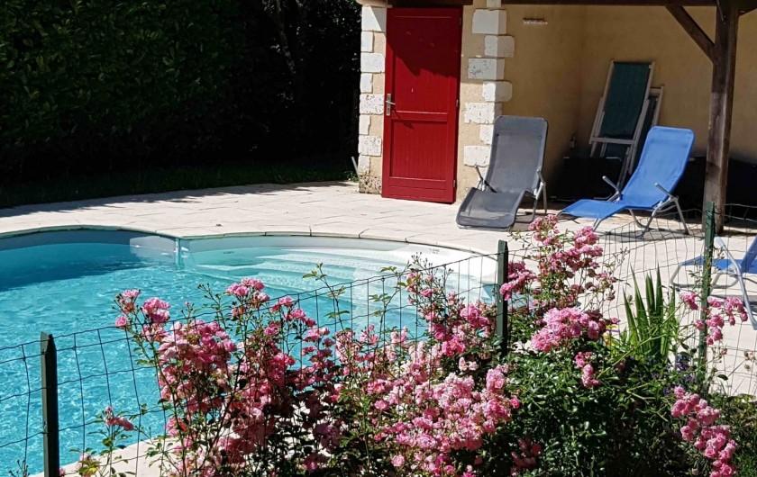 Location de vacances - Gîte à Issac - relax autour de la piscine