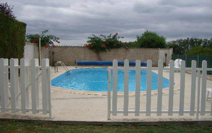 Location de vacances - Gîte à Saint-Pantaly-d'Ans - Piscine privée et protégée