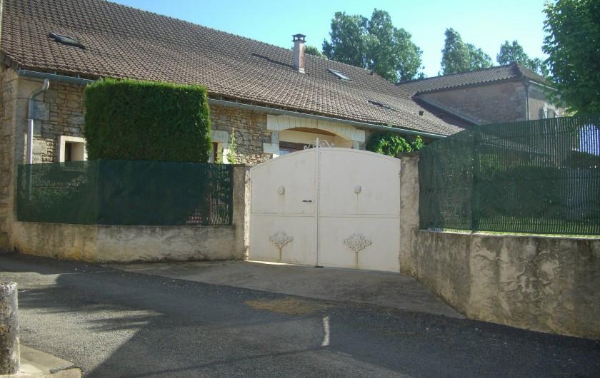 Location de vacances - Gîte à Saint-Pantaly-d'Ans - Entrée principale