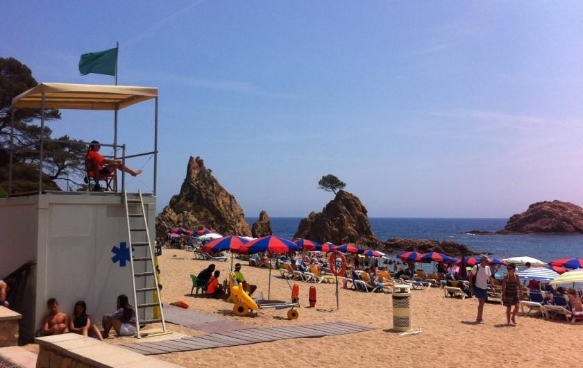 Location de vacances - Appartement à Tossa de Mar - LES PLAGES SONT SURVEILLÉES