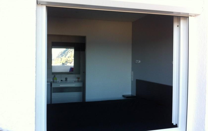 Location de vacances - Appartement à Tossa de Mar - SALLE DE DOUCHE OUVERTE SUR CHAMBRE