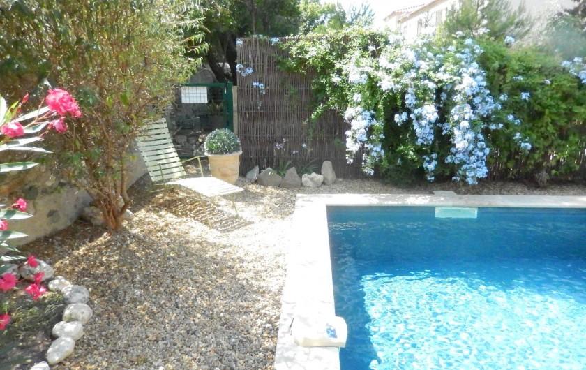 Location de vacances - Villa à La Redorte - Vue du jardin