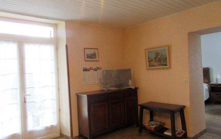 Location de vacances - Gîte à Bussac - Coin télé