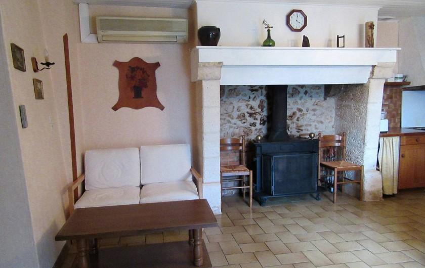 Location de vacances - Gîte à Bussac - Canapé