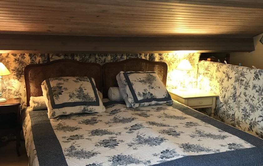 Location de vacances - Villa à Anthéor - Vue de la villa et du rez de jardin.