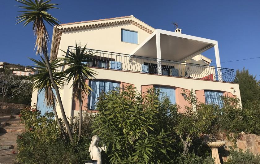 Location de vacances - Villa à Anthéor - Chambre 3 communicante Vue mer, exposition sud. Couchage 160X190 ou 2X80X190.