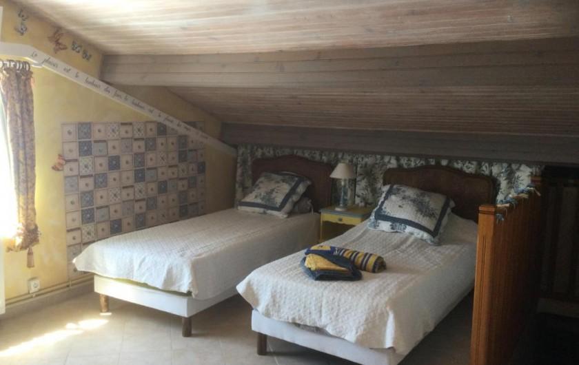 Location de vacances - Villa à Anthéor - Chambre n°2 villa exposition sud, accès terrasse et vue sur mer. Lit 140X190.