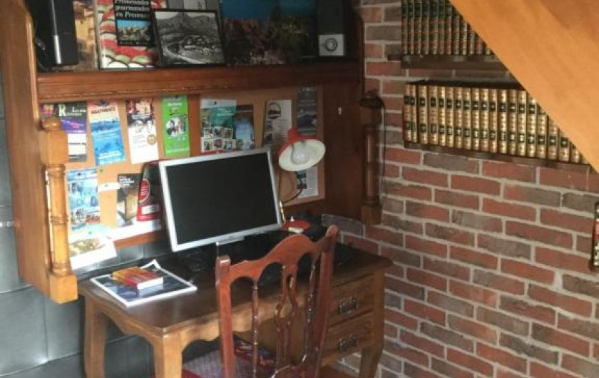 Location de vacances - Villa à Anthéor - Bureau, bibliothèque.