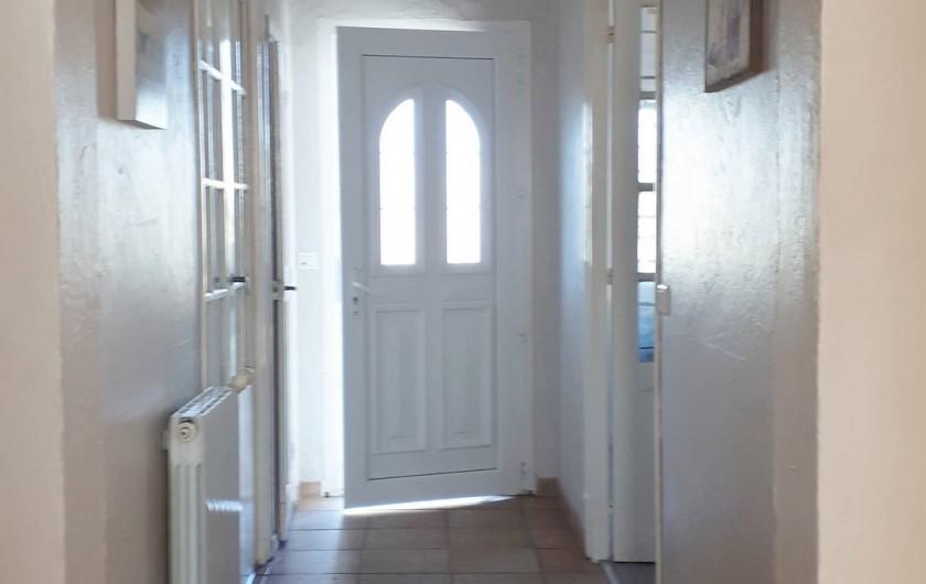 Location de vacances - Appartement à Sainte-Maxime - couloir
