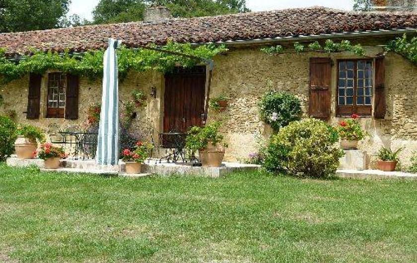 Location de vacances - Maison - Villa à Ornézan - vue extérieure du gîte