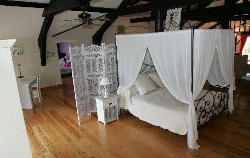 Location de vacances - Gîte à Beylongue - mezzanine, lit baldaquin