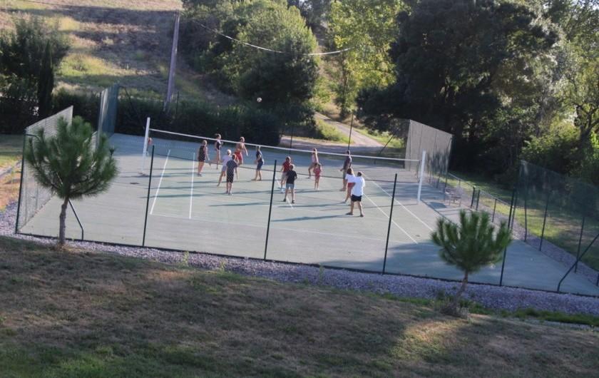 Location de vacances - Maison - Villa à Marzens - Tennis ou volley? les deux!