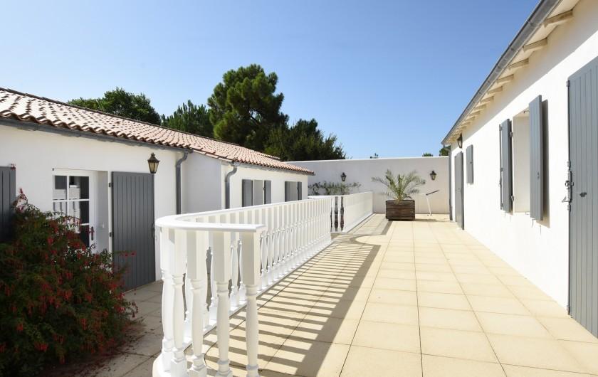Location de vacances - Villa à Sainte-Marie-de-Ré - Patio