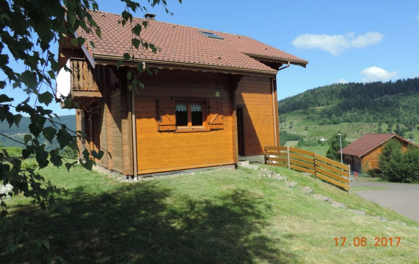 Location de vacances - Chalet à Saint-Maurice-sur-Moselle - Chalet façade Nord et l entrée