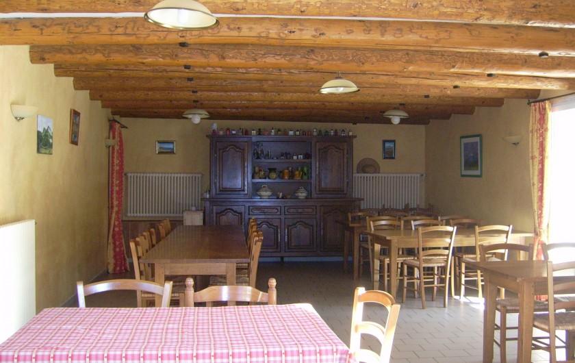 Location de vacances - Chambre d'hôtes à Divajeu - la salle à manger