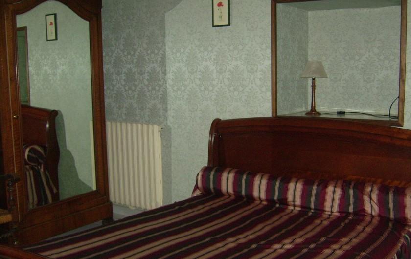"""Location de vacances - Chambre d'hôtes à Divajeu - chambre """"les canaris """""""