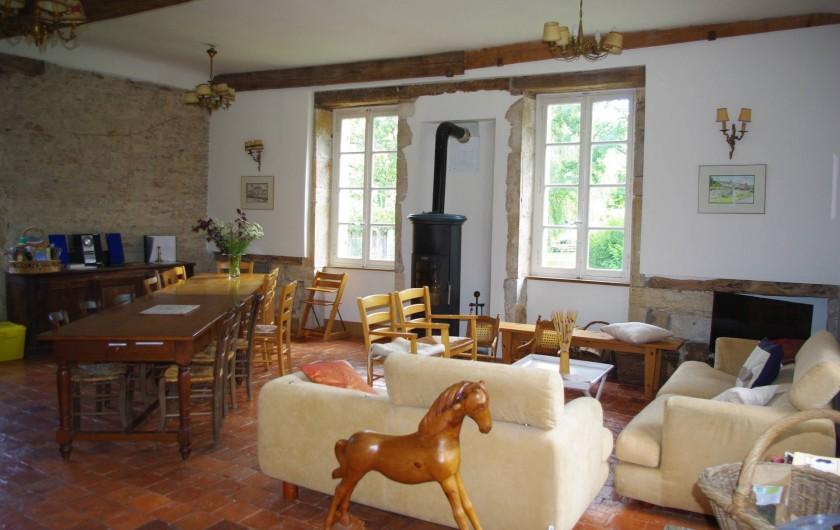 Location de vacances - Château - Manoir à Bussy-la-Pesle - Salon-cuisine Billebaude 1
