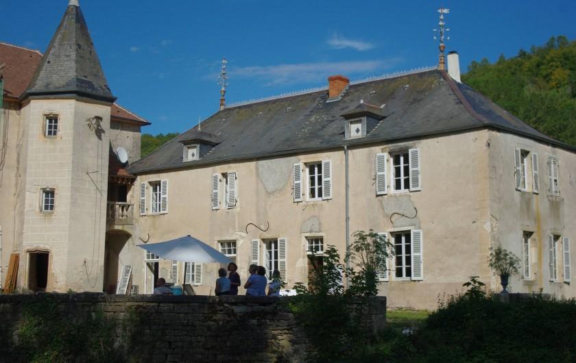 Location de vacances - Château - Manoir à Bussy-la-Pesle - Façade du Gite