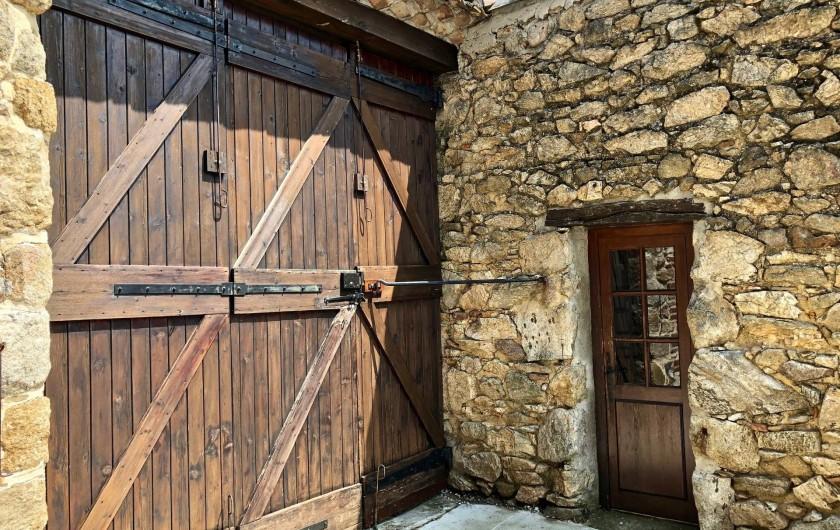 Location de vacances - Mas à Sécheras - Entrée de la bergerie