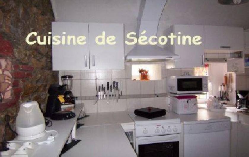 Location de vacances - Gîte à Lapeyrouse - Cuisine Sécotine