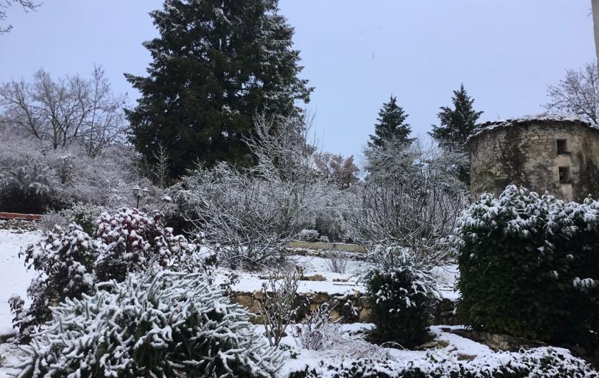 Location de vacances - Chambre d'hôtes à Saint-Sozy - Le jardin en hiver