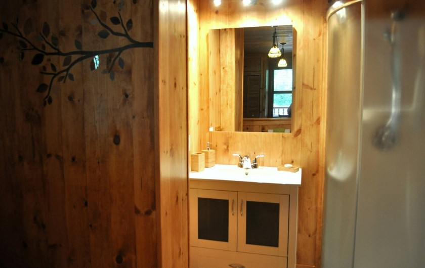 Location de vacances - Chalet à Val-David - Salle de bain - Chambre Liberté