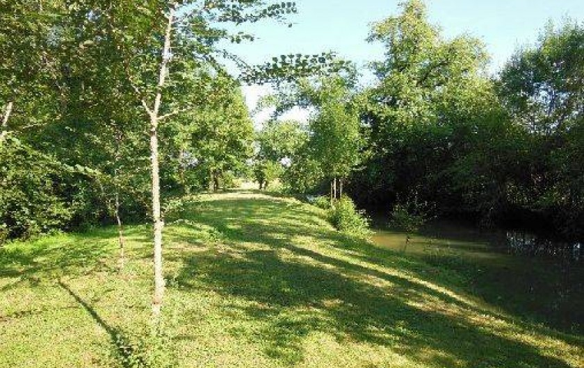 Location de vacances - Gîte à Justian - Notre petit bois