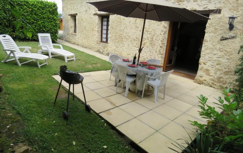 Location de vacances - Gîte à Justian - Chambre au rez-de-chaussée dans le gîte d'Artagnan.