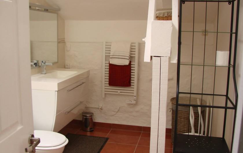 Location de vacances - Gîte à Justian - Salle de bain dans notre gîte Aramis