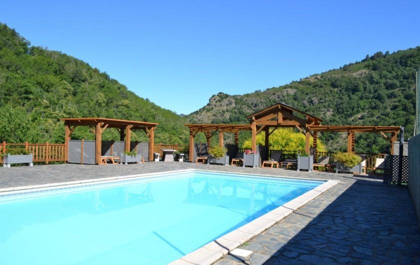 Location de vacances - Gîte à Lacrouzette - Hameau de Thouy - Tarn -      Sidobre en Occitanie - Gite La Vallée piscine