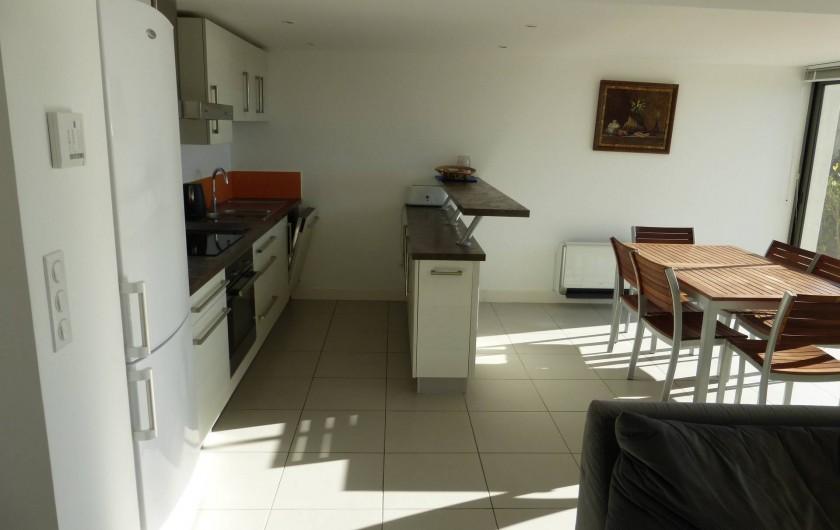 Location de vacances - Appartement à Soorts-Hossegor - appartement n°1: salle à manger ,bar, cuisine équipée