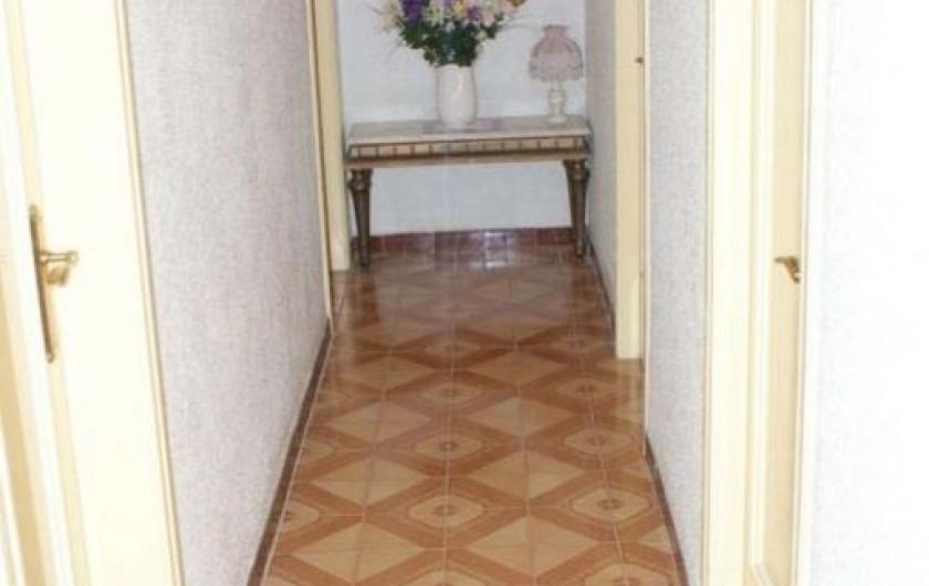 Location de vacances - Villa à Cambrils - corridor chambres appt 1
