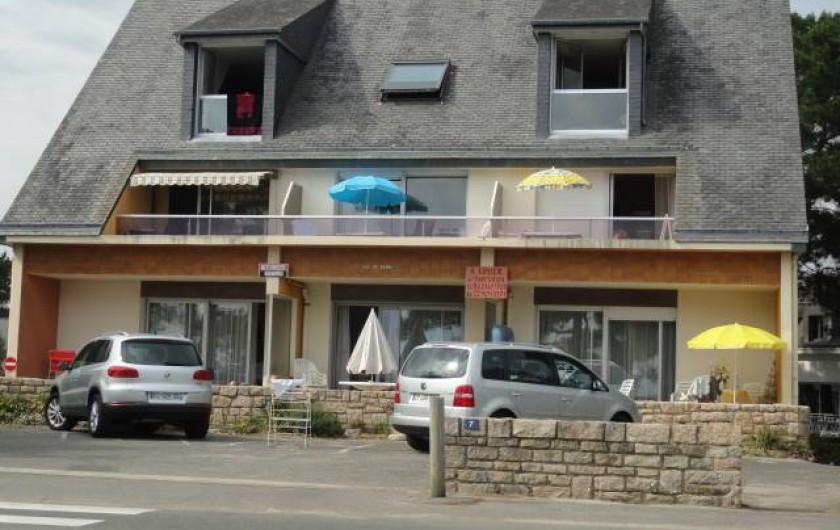 Location de vacances - Appartement à La Trinité-sur-Mer - Vue immeuble coté plage