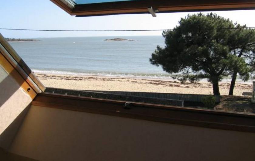 Location de vacances - Appartement à La Trinité-sur-Mer - Vue velux chambre duplex plage Men Du