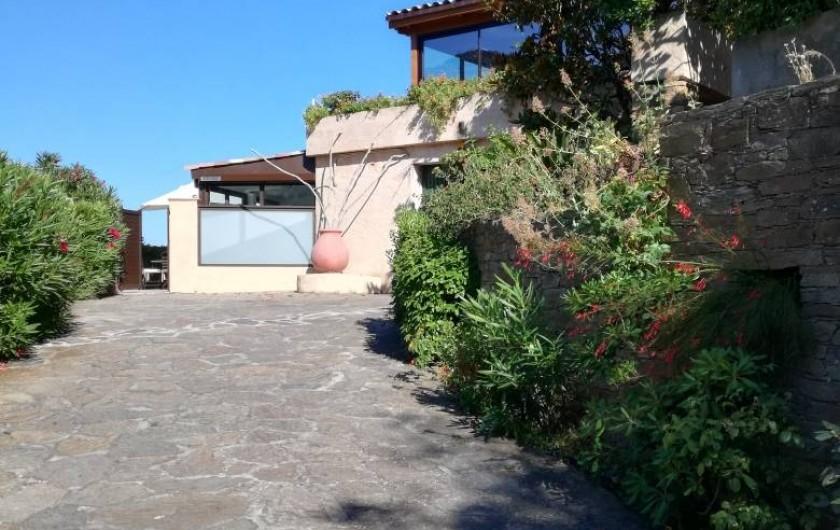Location de vacances - Appartement à Le Lavandou - Entrée de plain-pied dans la copropriété