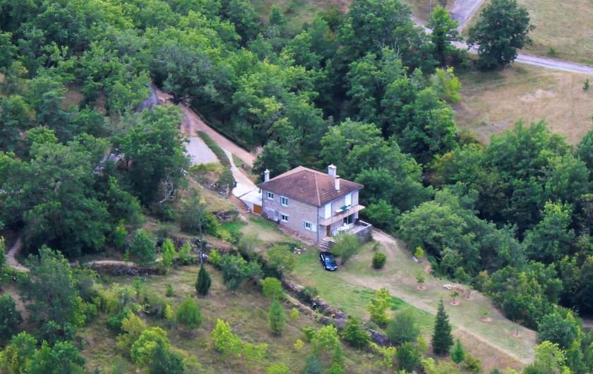 Location de vacances - Gîte à Peyreleau - Vue générale maison