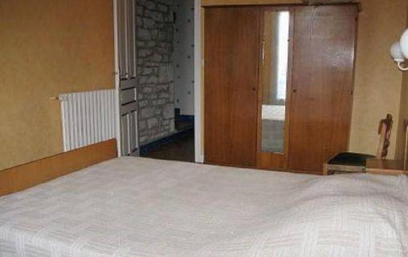 Location de vacances - Maison - Villa à Loctudy - chambre  4 avec un lit 2 personnes de 1.40m de large