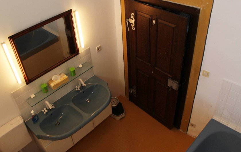 Location de vacances - Appartement à Unsleben - la salle de bain: avec bain, toilettes.