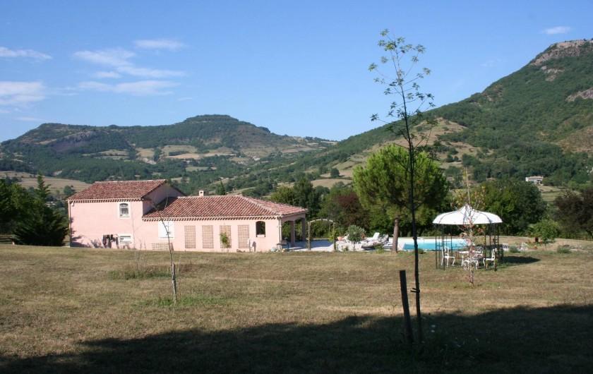 Location de vacances - Villa à Saint-Martin-sur-Lavezon - Coté ouest