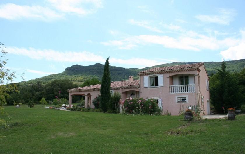 Location de vacances - Villa à Saint-Martin-sur-Lavezon - Coté est