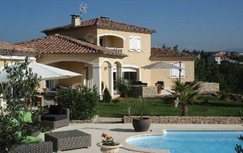 Au Calme Luxueuse Villa Avec Piscine Et Spa Privés à Saint