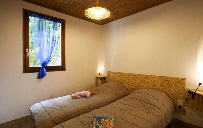 Location de vacances - Gîte à Calviac-en-Périgord - chambre n°1 2 lits en 80 ou 1 lit en 160