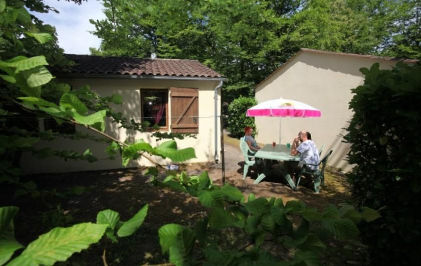 Location de vacances - Gîte à Calviac-en-Périgord - exterieur de maison