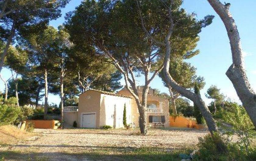 Location de vacances - Appartement à Vaison-la-Romaine - Villa sous les pins.  A 119 m d'altitude,